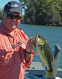 image of Dick Williams holding a nice Largemouth Bass