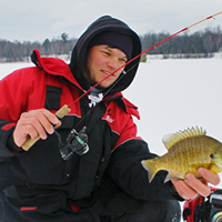 image of Reed Ylitalo holding Bluegill