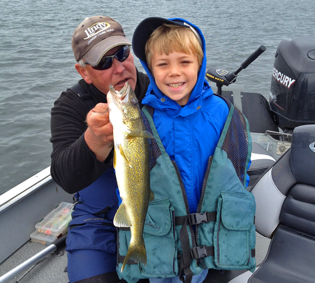 2 Worm Blowers Danielson Bass Walleye Crappie Fishing