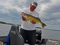 image of Walleye guide Jeff sundin with nice Walleye