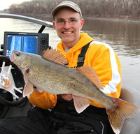 image links to article about spring walleye fishing